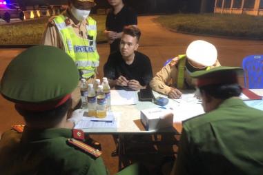 Một tối phát hiện hai lái xe dương tính với ma túy trên cao tốc Hà Nội - Hải Phòng - Quảng Ninh